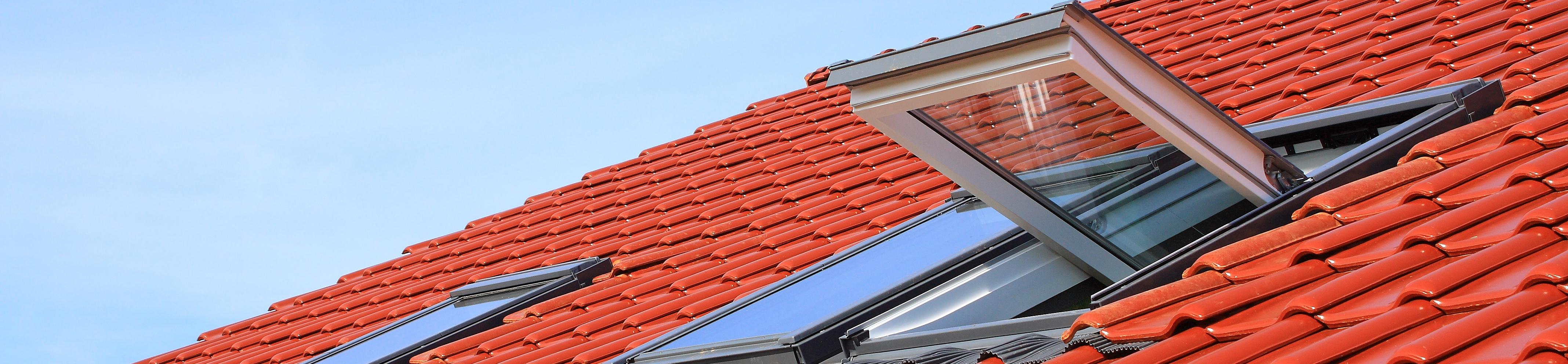 Finestre per tetti rossi casa srl verbania for Faelux srl finestra per tetti